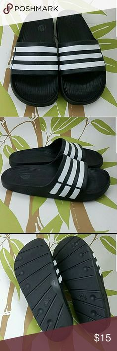 Adidas men's size 7 Normal wear to it. Gently worn. No major flaws only sticky were the size sticker was. That it.  Size 7 but I'm guessing men size. adidas Shoes Sandals & Flip-Flops