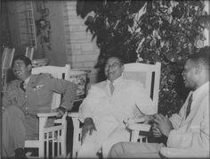 El boxeador Niño Valdés visitando al Presidente de Cuba Fulgencio Batista