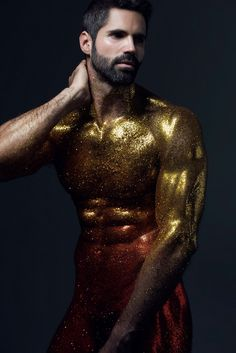A glitter drenched photo shoot featuring model Pablo Robles focusing on the male form in multiple shimmering colors. The Portraiture series captured by photographer Carlos Medel. See the photo shoot below: Body Painting Men, Painting Art, Brokat, Foto Art, Human Art, Cultura Pop, Male Body, Male Models, Beautiful Men