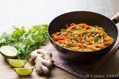 One pan pasta végétarien aux saveurs asiatiques, rapide, économique et délicieux!
