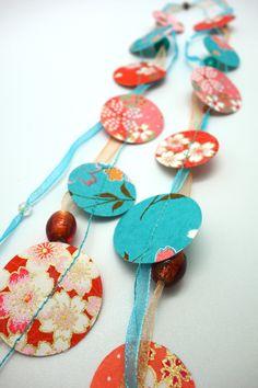 Origami Collier sautoir en papier japonais et organza -Vent d'Est- corail et turquoise : Collier par tangram
