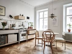 Without a rail, pegboard, hooks, and shelving, a small kitchen is hard to keep organized. We're taking cues from this Swedish kitchen that's custom fit wit Plywood Furniture, Kitchen Furniture, Kitchen Interior, Interior Modern, Kitchen Chairs, Room Interior, Kitchen Dining, Interior Design, Swedish Kitchen