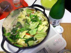 博多の友人からモツ鍋をもらいました~!秘蔵の北海道の「一夜雫」を開封して楽しみました☆北から南まで楽しい夜です♪【こいまさん】