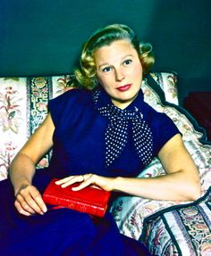 """JUNE ALLYSON. Born: Oct 7, 1917 in NYC, USA. Died: July 8, 2006 from respiratory failure & acute bronchitis (aged 88). She began her career on Broadway in 1938 & signed with MGM in 1943 to film """"Two Girls and a Sailor"""" (1944). Won a Golden Globe for """"Too Young to Kiss"""" (1951), appeared with James Stewart in """"The Glenn Miller Story"""" (1954). From 1960 to 2001 she appeared in a number of TV series & made-for-tv films. Her final silver screen performance was """"A Girl, Three Guys and a Gun"""" (2001)."""