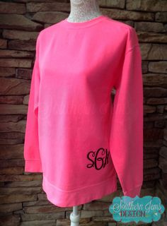 Have you been looking for this sought after popular Comfort Colors tunic sweatshirt??!! Well....look no further! This sweatshirt is perfect for the cold winter weather, or chilly Spring and Summer nights. It is made from a soft and comfortable lightweight terry fleece. Our Comfort Colors sweatshirt are unisex sizes, ...
