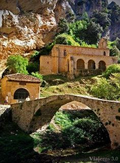 Hermitage of Santa Maria de la Hoz in Tobera - Castile and León, Spain Places In Spain, Places To See, Southern Europe, Medieval Town, Spain And Portugal, Secret Places, Chapelle, Spain Travel, Abandoned Places