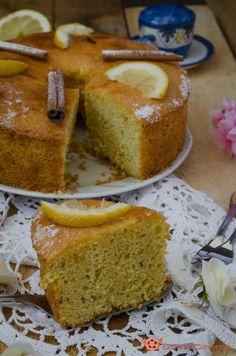 Chiffon cake anice cannella e limone un dolce alto, soffice e profumato. Perfetto per una colazione o merenda sana e leggera.