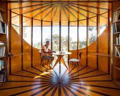 Arquiteto cria estúdio em cima de árvore http://gilbertopinheiroimoveisprivatebrokers.blogspot.com.br/2015/11/arquiteto-cria-estudio-em-cima-de-arvore.html