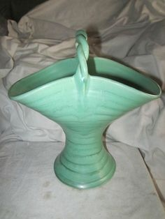 24cm x AUSTRALIAN HOFFMAN MELROSE POTTERY BASKET VASE. 24CM. Baskets, Pottery, Vase, Shapes, Ebay, Decor, Ceramica, Decoration, Hampers