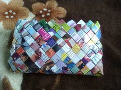 geanta plic impermeabila din reviste