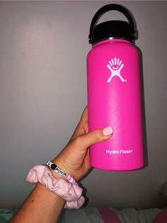hydroflask Tattoo tattoo parlors near me Pink Hydro Flask, Hydro Flask Colors, Hydro Flask Water Bottle, Vsco, Cute Highschool Outfits, Vibes Tumblr, Cute Water Bottles, Cute Cups, Bottle Design