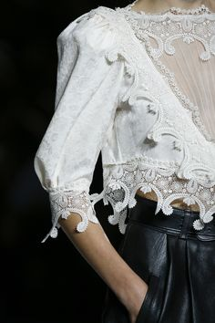 See detail photos for Saint Laurent Spring 2018 Ready-to-Wear  collection.