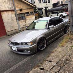 Definition of a Sports Car Bmw 323i, Bmw Cars, Bmw 740, Bmw Vintage, Rolls Royce Motor Cars, E 38, Bmw Classic Cars, Bmw 7 Series, Mercedes Car