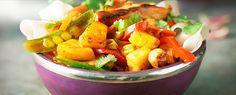 Gul karrywok  med frisk ananas og kylling