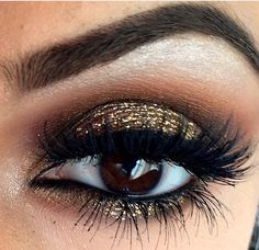 Would die for this beautiful gold eye makeup  #makeup #eye #desi #ethnic ##beauty