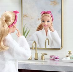Barbie Doll Set, Barbie Model, Barbie Doll House, Barbie Life, Barbie Dress, Barbie Clothes, Barbie Stuff, Barbie Fashion Sketches, Barbies Pics