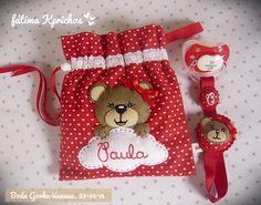 Chupeteros para una boda - 1ª parte Diy Crafts How To Make, Christmas Stockings, Christmas Ornaments, Jean Crafts, Dummy Clips, Sewing Toys, Felt Diy, Potpourri, Craft Fairs