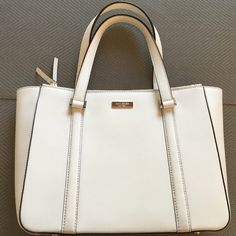Kate Spade white leather summer handbag. Never used. (Too big)