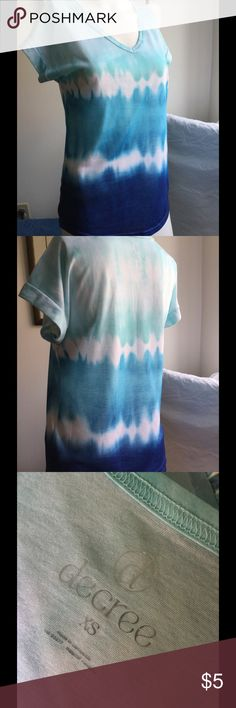 Decree v-neck tee Decree v-neck tie dye tee. Cuffed short sleeve. 100% polyester. Blue/white. Decree Tops Tees - Short Sleeve