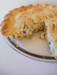 Yummy and Delicious Chicken Pot Pie. Make this for dinner tonight! A great DIY food idea I Love Food, Good Food, Yummy Food, Delicious Meals, Easy Chicken Pot Pie, Chicken Recipes, Chicken Feed, Cooked Chicken, Turkey Recipes