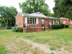 Great investment property! Hardwood floors, pantry in kitchen, dedicated laundry space, large windows and back porch. Large fenced in yard. Jamestown Schools! http://view.paradym.com/3683870/prt/10003