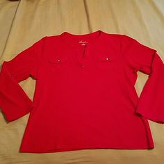 Kim Rodgers top Kim Rodgers 3/4 length sleeve with a slight V- neck. Pocket detail on each side.   *Peviously loved item * No rips, tears, or stains* Non-smoking closet * All sales final * All reasonable offers welcomed * Kim Rogers Tops Blouses