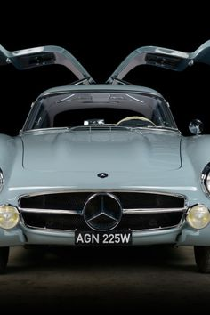 'Not another silver Gullwing' – restoring a Mercedes icon with Thornley Kelham Electric Van, Eyebrow Design, Mercedes 300sl, Pebble Beach Concours, Benz S, Sports Car Racing, Restoration, Silver, Money