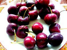 Kodin Kuvalehti – Blogit | Hullun hutuntekijän teekutsut Vegetarian Food, Cherry, Fruit, Vegetarian Cooking, Prunus, Vegan Food, Vegetarian Meals, Veggie Food, Vegetarian Wedding Food
