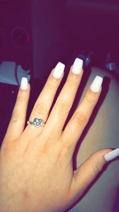 Tried out white nails and I'm obsessed!!