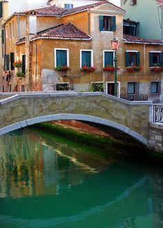 Ponte Madonna, Venice...✈...     http://whc.unesco.org/en/list/394