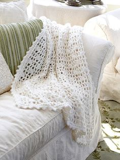Easy Crochet Afghans Beautiful Crochet Afghan -- free pattern - From Better Homes and Gardens, ideas and improvement projects for your home and garden plus recipes and entertaining ideas. Beau Crochet, Love Crochet, Baby Blanket Crochet, Beautiful Crochet, Crochet Baby, Knit Crochet, Crochet Blankets, Baby Blankets, Crochet Summer