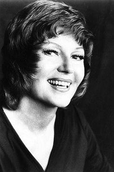Rita Hayworth, 1971 Rita Hayworth, Dick Haymes, Sainte Rita, Old Movie Stars, Orson Welles, Ava Gardner, Columbia Pictures, Up Girl, Classic Beauty