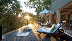 ROAR VILLAS | ROAR AFRICA Honeymoon Hotels, Best Honeymoon, Kruger National Park Safari, National Parks, Villas, Luxury Escapes, Design Apartment, Travel Blog, Huge Windows