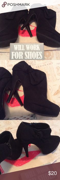 "BONGO Ambular Shootie Black 6.5 Give yourself a boost with these Black 4.5"" heel booties. Bow next to the angle and a zipper closure on the other side. Smooth faux Suede upper. Soft fabric interior lining. Cushion insole. Worn very lightly with tights only. Labeled as 6.5. I wear 7 regularly and they fit well. Excellent condition. Will consider close offers. BONGO Shoes Ankle Boots & Booties"