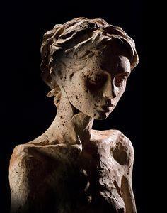 Christian Zucconi sculpture