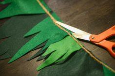 How to Make Peter Pan Bunting | Tikkido.com