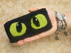 Toothless Crocheted iPhone 5, 5S, 6, 6 Plus Sleeve // How To Train Your Dragon iPhone Cozy // HTTYD Case