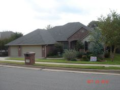 GAF Weatherwood Shingles; courtesy of All Pro Roofing & Remodeling, Inc.