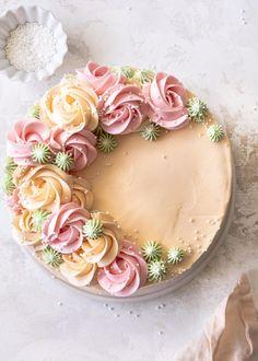 Buttercream Cake Designs, Cake Decorating Frosting, Cake Decorating Designs, Creative Cake Decorating, Cake Decorating Techniques, Bolo Floral, Floral Cake, Pretty Birthday Cakes, Pretty Cakes