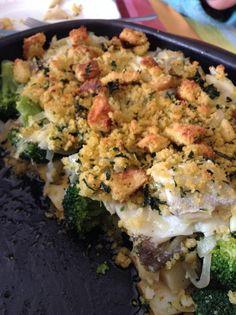 Bacalhau com broa Cauliflower, Portugal, Chicken, Meat, Vegetables, Food, Cauliflowers, Essen, Vegetable Recipes