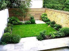 captivating-small-backyard-garden-design-ideas-also-green-grass-plus-wooden-fenc… faszinierende-kleine-Hinterhof-Garten-Design-Ideen-auch-grünes-Gras-plus-Holzzaun-sowie-rustikale-Ziegelmauer. Simple Garden Designs, Back Garden Design, Garden Design Plans, Small Backyard Design, Small Backyard Gardens, Backyard Garden Design, Small Backyard Landscaping, Small Gardens, Landscaping Ideas