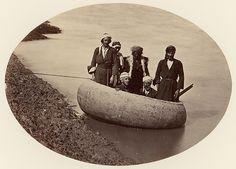 [Six Men in a Round Boat, Baghdad], ca. 1870