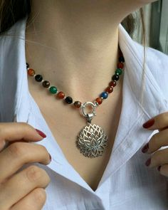 Diy Jewelry Pendants How To Make Wire Jewelry, Pendant Jewelry, Jewelry Crafts, Beaded Jewelry, Jewelery, Silver Jewelry, Jewelry Necklaces, Pearl Necklace Designs, Diy Necklace