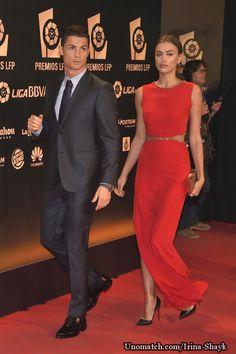 Cristiano Ronaldo and Irina Shayk make a rare red carpet appearance together at LFP football awards like : www.unomatch.com/irina-shayk  #Irinashayk #Irinashaykmodel #fashionmodel #celebritygossip #unomatch #fanpage #creatpage