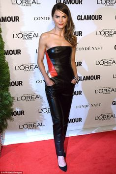 042b50eb5427 Naturally thin  The Americans star revealed her razor sharp collarbone in  the strapless number Leather