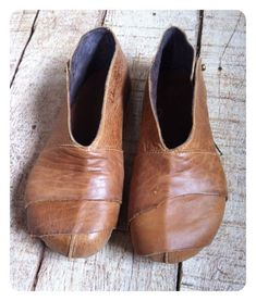 Items similar to Hand Made Leather Shoes for Woman   Man -PATCHES SHOE on  Etsy f3fa0226a53