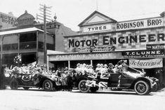 Australian People, Australian Flags, Armistice Day, Abc News, Wwi, Antique Cars, Engineering, History, Vintage Cars