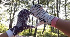 Me innostuttiin syksyn alkajaisiksi saumuroimaan trikootilkuista hyödyllisiä asusteita viileneviä iltoja silmällä pitäen. Kankaiks... Combat Boots, Sandals, Sewing, Clothes, Shoes, Fashion, Outfits, Moda, Shoes Sandals
