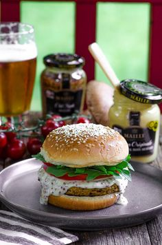 We have gathered our best Veggie Burger Recipes for you. From our super popular Black Bean Veggie Burger to our tasty Chickpea and Beet veggie burger and our satisfying Falafel Veggie Burger with Tahini Cream. All super flavorful and nutritious, to guaran Black Bean Veggie Burger, Beste Cocktails, Kosher Recipes, Kosher Food, Passover Recipes, Jewish Recipes, Vegan Vegetarian, Vegetarian Recipes, Recipes