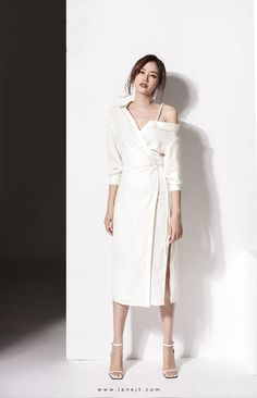 Exceptional maxi dresses are readily available on our internet site. look at this and you wont be sorry you did. White Dress Outfit, Casual Dress Outfits, Chic Outfits, White Dress Casual, White Dresses For Sale, Simple Dresses, Cute Dresses, Wrap Dresses, Maxi Dresses